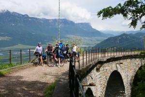 Kurz nach dem Tagesstart bei gutem Wetter auf dem Glener Viadukt. Grandios!