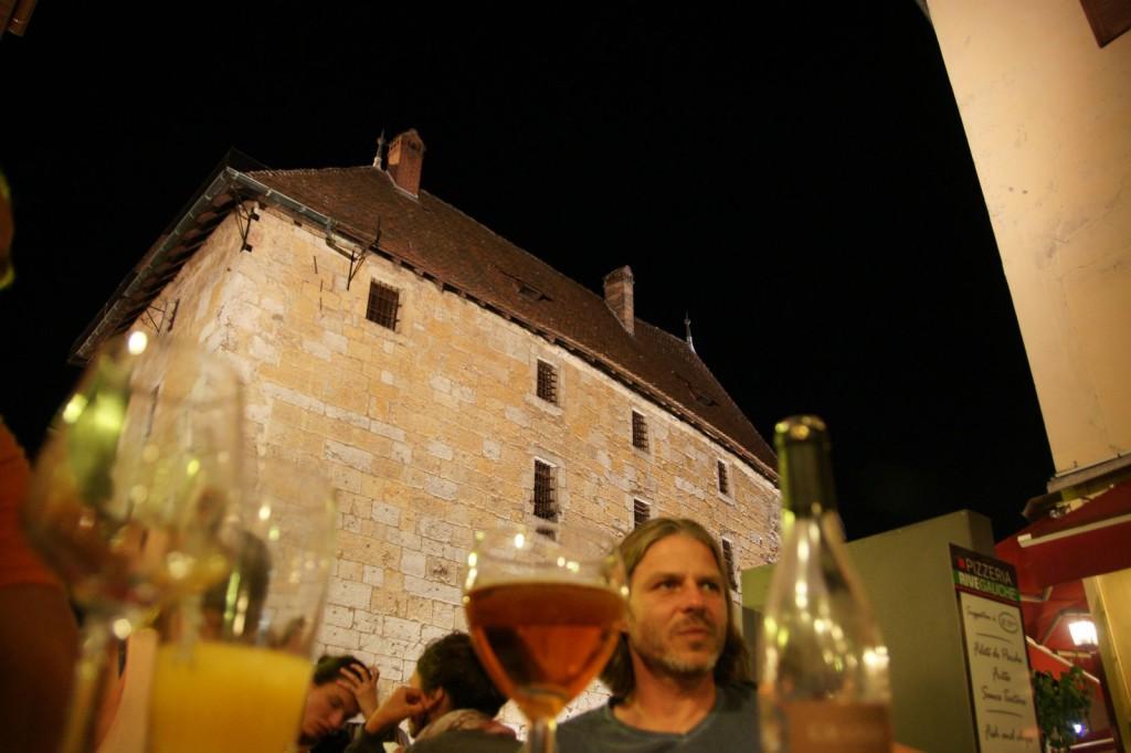 Ein wunderbarer Sommerabend in der Vielle Ville (Altstadt) von Annecy