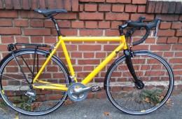 Neues, schnelles Reise-Rennrad