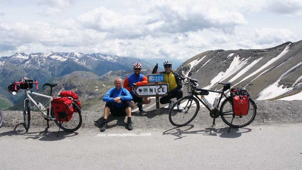 Beste Stimmung auf der letzten Paßhöhe der Tour auf 2.715 Meter.