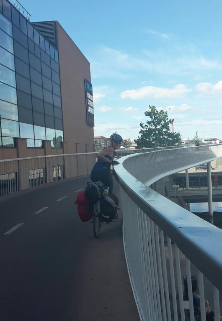 Radbrücke in Kopenhagen abseits des Autoverkehrs!