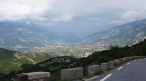 Am Anfang des Anstiegs zum Col de Vars war das Wetter noch o.k.. Hier ein Blick zurück nach Norden, wo wir am Tag zuvor herkamen.