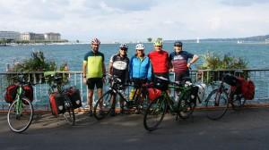 Die kleine Gruppe voller Vorfreude auf die Tour am Genfer See.