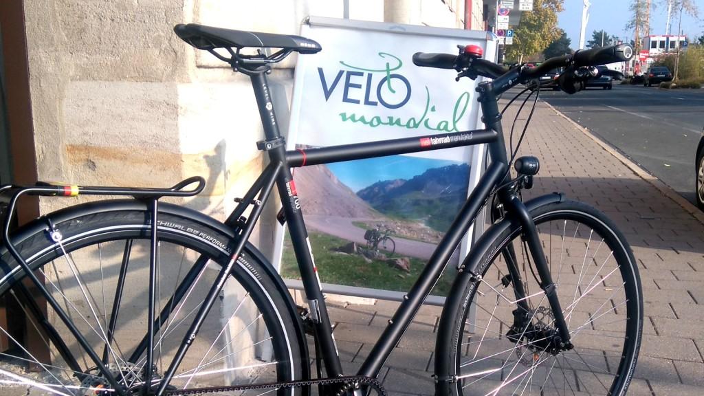 Trekkingrad von der vsf-fahrradmanufaktur mit 11-Gang Nabenschaltung und GATES-Riemenantrieb