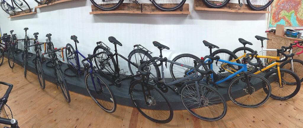 Viele Räder mit Rennlenker